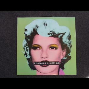 20160414233939-Banksy-Record-Kate-Moss-A-700x700