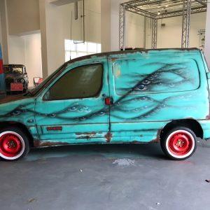 Small Renault Van